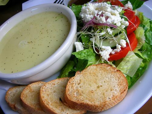 Greek Avgolemono Soup recipe – 143 calories