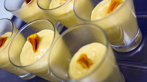 indian drink mango lassi recipe picture