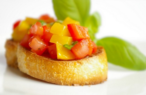 Peach and Roasted Red Pepper Bruschetta recipe – 46 calories