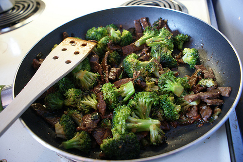 Low Calorie Beef and Broccoli Stir-Fry recipe – 153 calories
