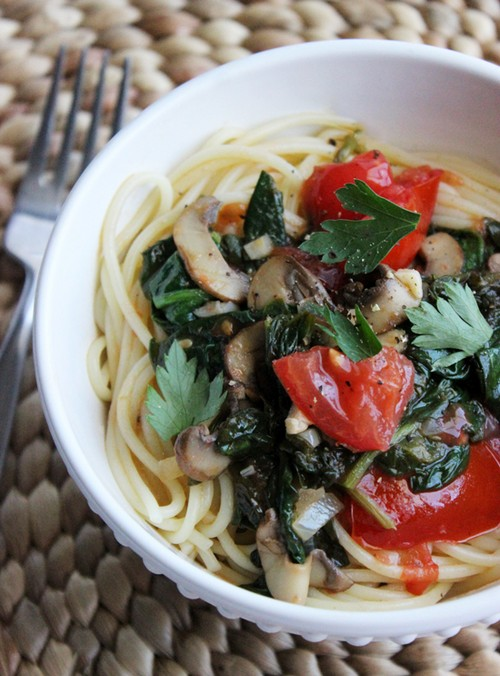 Low-Cal Spaghetti With White Wine Sauce recipe photo